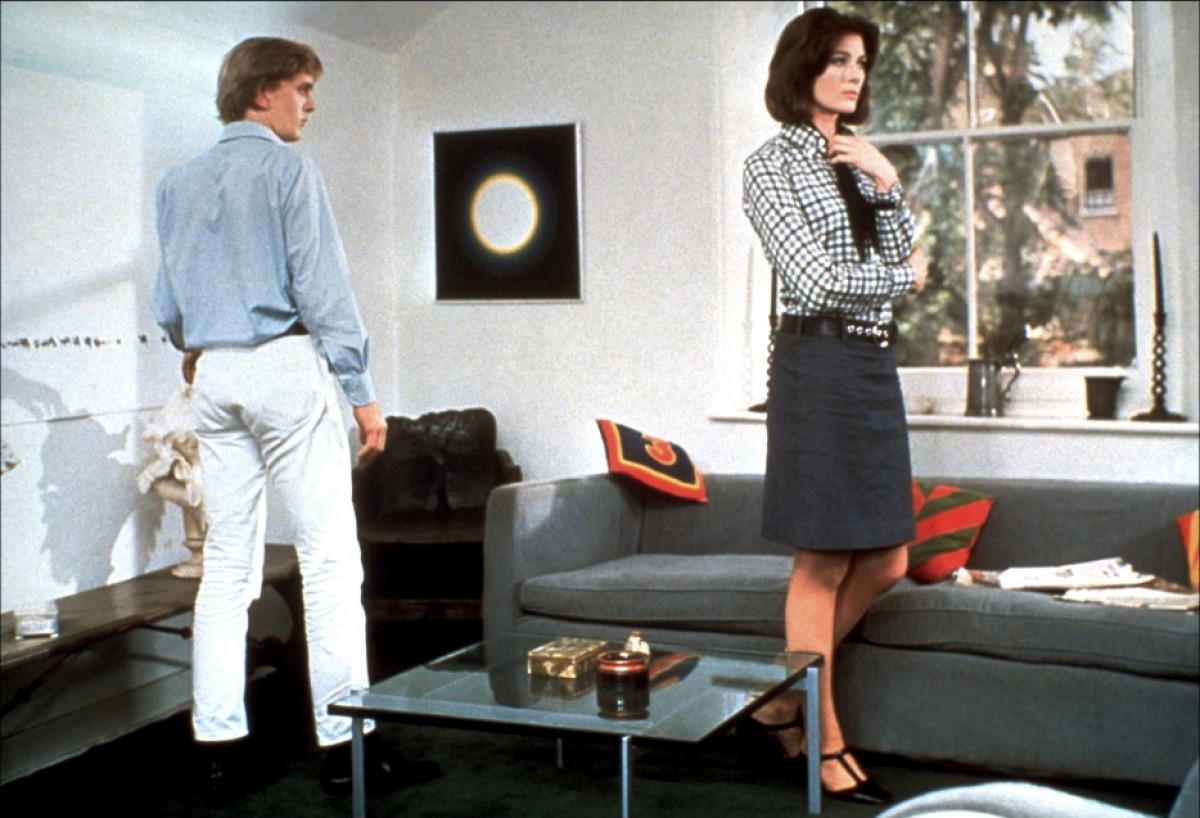 a character analysis of the movie blow For instance, the casting of david hemmings as marcus daly, the central protagonist in the film, establishes a direct relationship between deep red and michelangelo antonioni's blow-up (1966) in each film hemmings plays a character who is an artist, one who turns into an amateur detective after witnessing a murder.