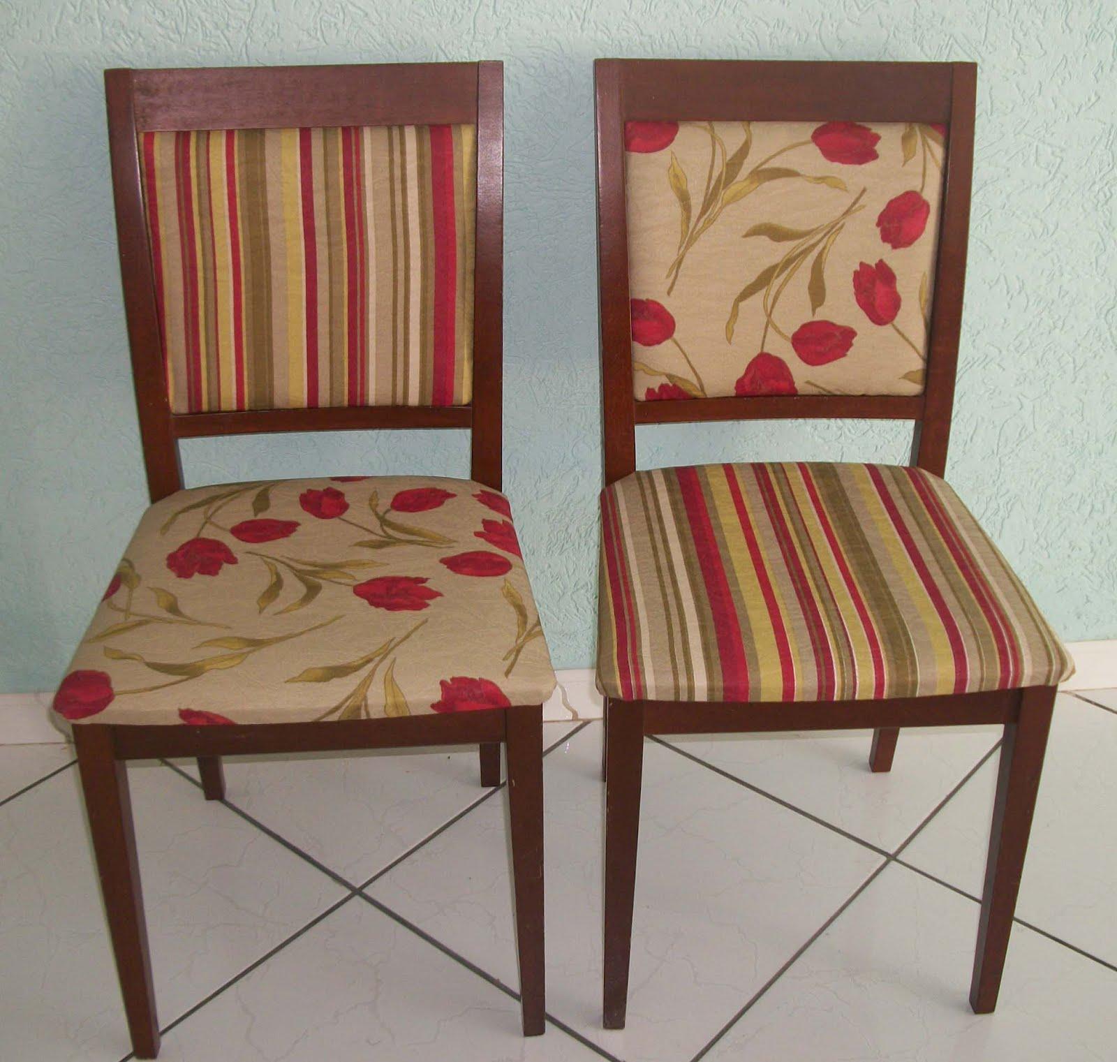 os tecidos floral e listrado no conjunto de suas cadeiras. Ramos de  #46281E 1600x1521