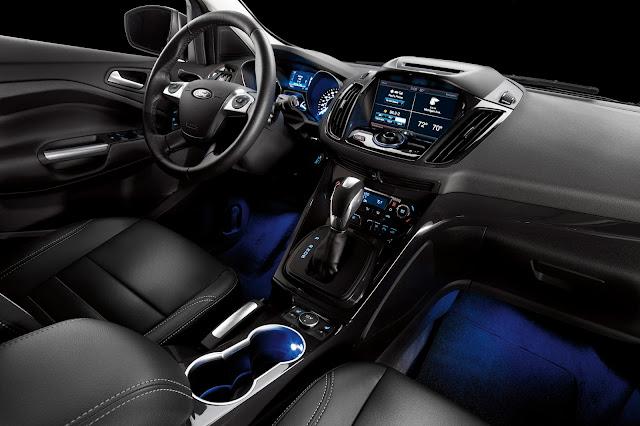 Interior view of 2016 Ford Escape Titanium