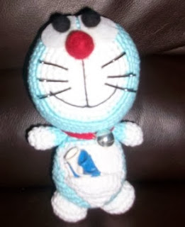 http://www.amigurumis4you.com/article-patron-doraemon-78543885.html