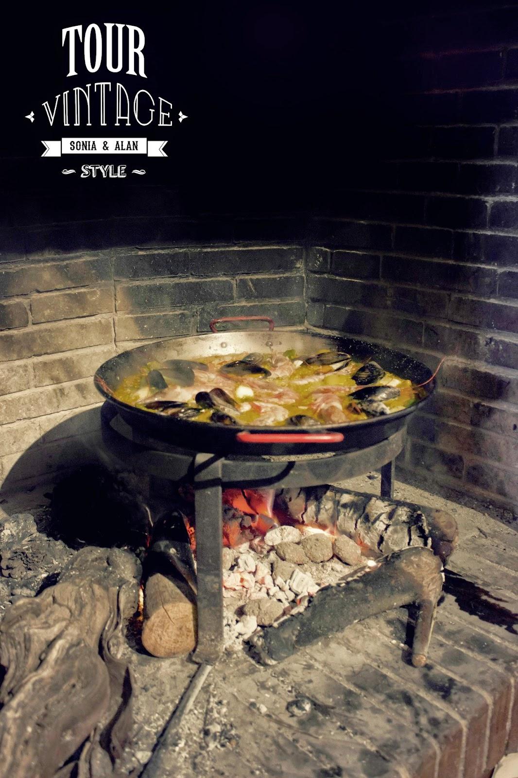 Casa rural la pintora Requena. Paella. Alan Blesa y Sonia Soler. tourvintage.blogspot.com