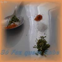 Uma pitada de sal, uma pitada de orégano e de outros condimentos