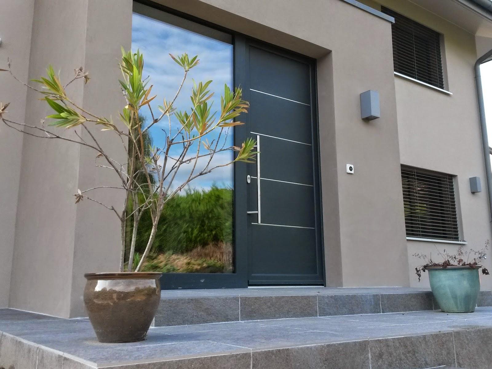 Ao t 2014 transformation et agrandissement d 39 une villa fen tres portes et volets swiss for Fenetre villa