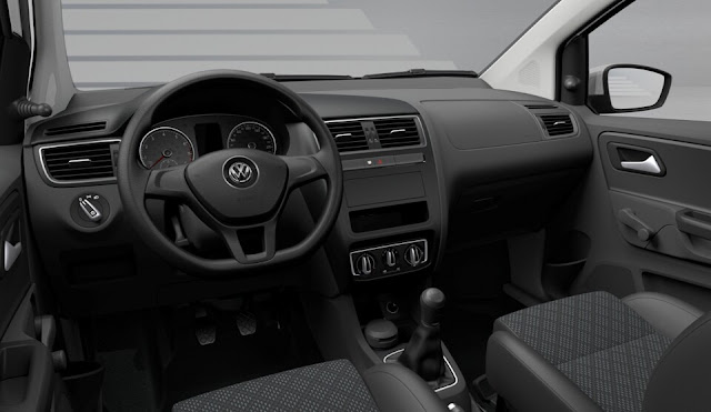 Volkswagen SpaceFox Trendline 2015 - interior