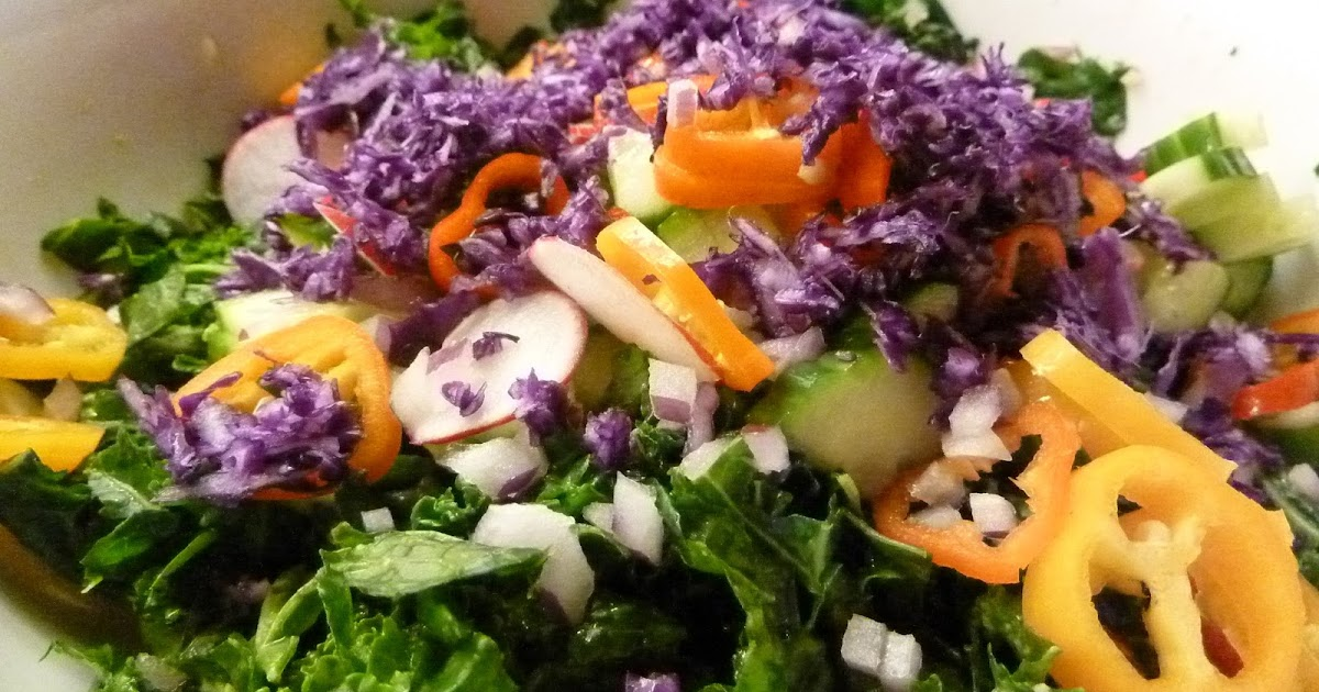 Luscious Kale Salad | Raw Edibles