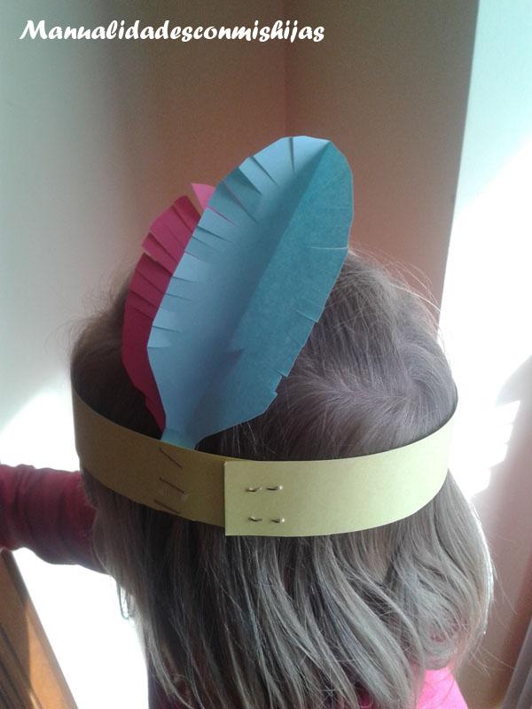 Manualidades con mis hijas corona con plumas indias for Manualidades con plumas