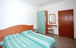 ubytovanie spáľňa s manželskou posteľou