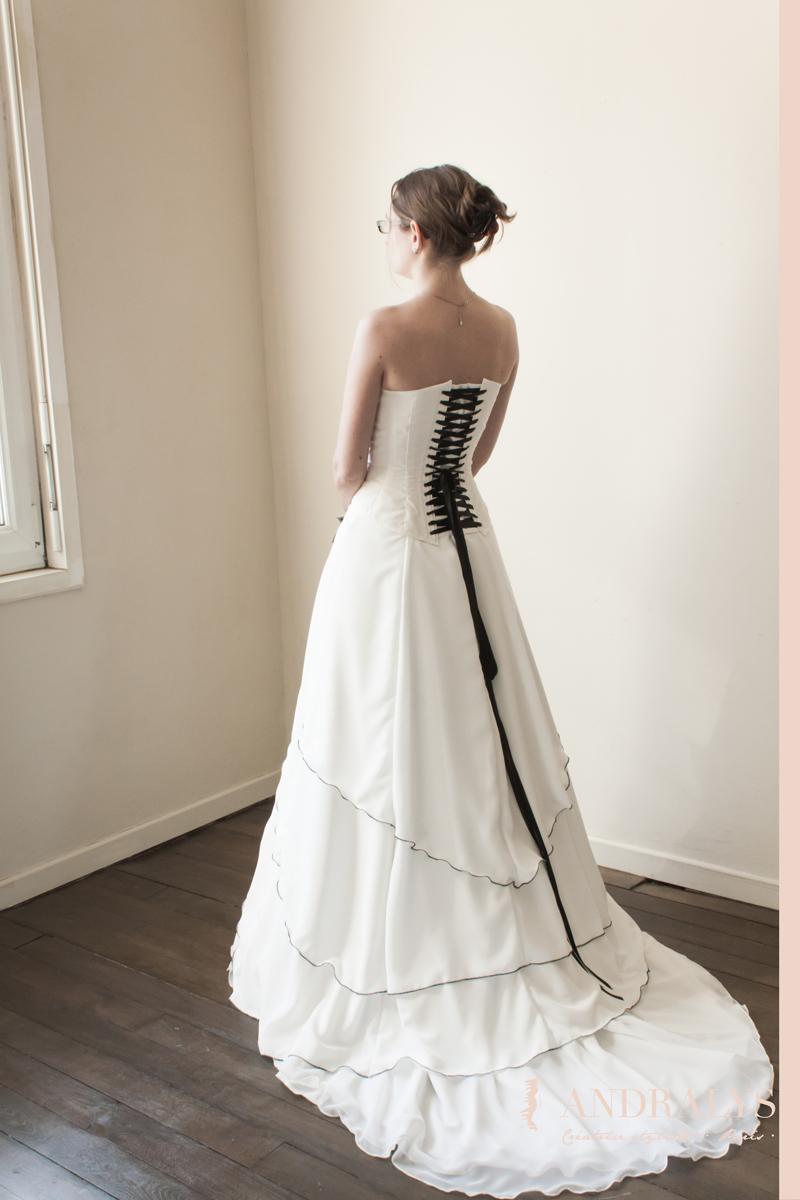 Super Robes de mariée à Bordeaux - Gironde - Aquitaine: Un essayage de  KO09