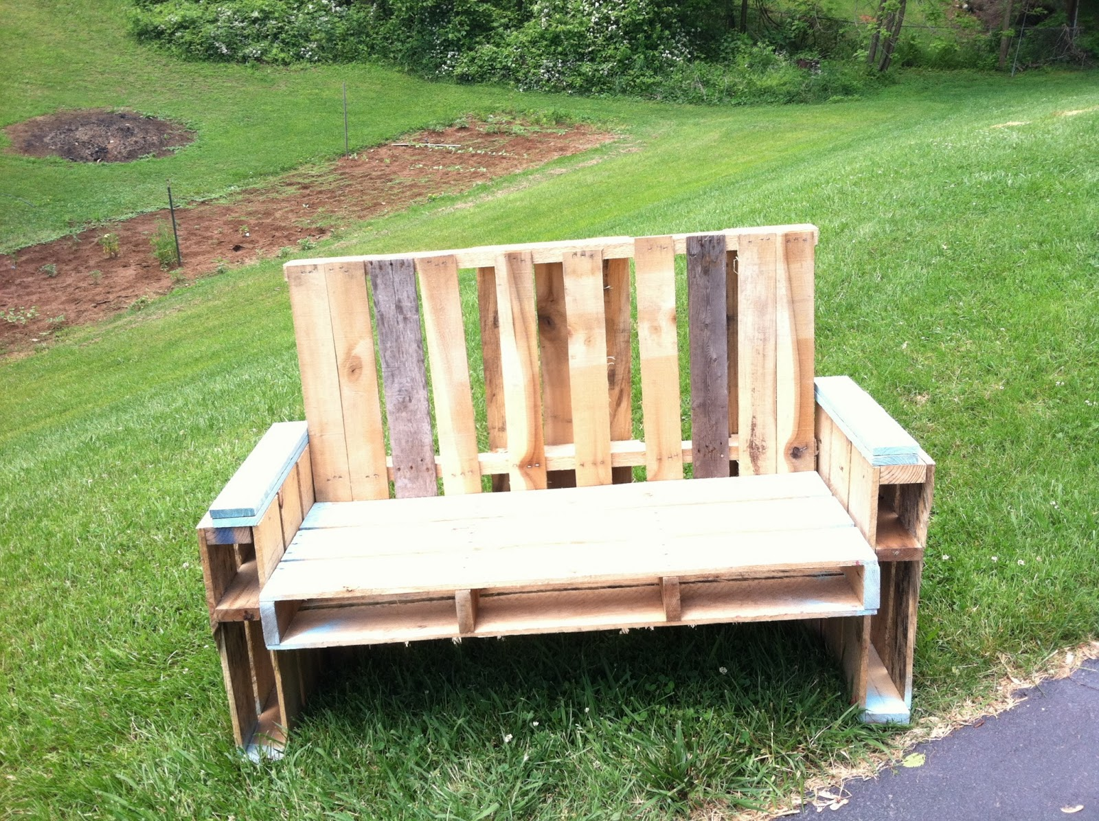 Pallet armchair - Pallet Chair Tutorial