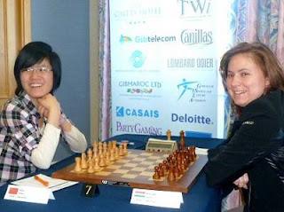 Ronde 7 - Hou Yifan (2605) 1-0 Polgar Judit (2710)