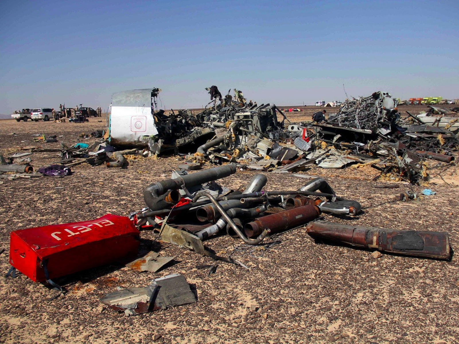 The History Behind ISIS. Their Latest Shocking Terrorist Attacks Around The World. - Russian airliner crashes in Egypt, October 31, 2015