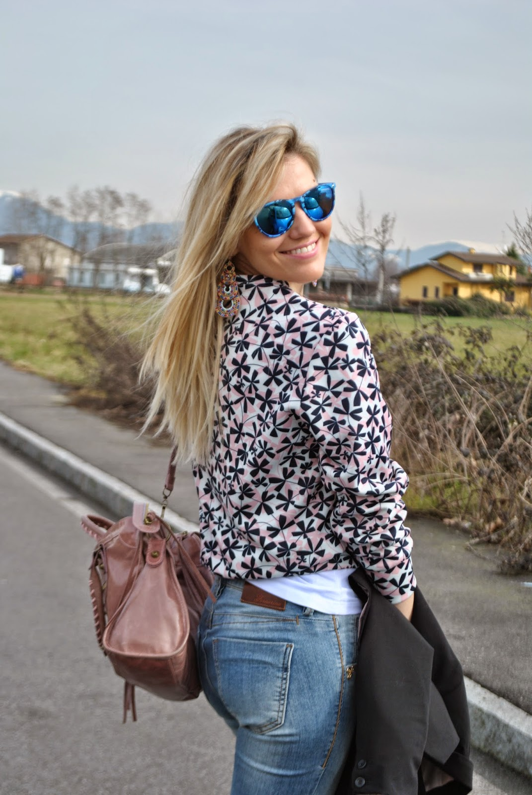 outfit casual invernali outfit jeans e tacchi outfit jeans e felpa come abbinare la felpa abbinamenti felpa come abbinare jeans e tacchi abbinamenti jeans e tacchi outfit febbraio 2015 mariafelicia magno colorblock by felym mariafelicia magno fashion blogger blog di moda italiani blogger italiane di moda ragazze bionde blogger italiane jeans and heels sweatshirt and jeans how to wear jeans and heels winter outfits fashion bloggers italy italian fashion bloggers girls blonde girls skinny jeans stivali buffalo buffalo boots majique london earrings majique orecchini anello stile ysl majique