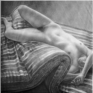 Mujeres Dormidas Dibujos a Lapiz