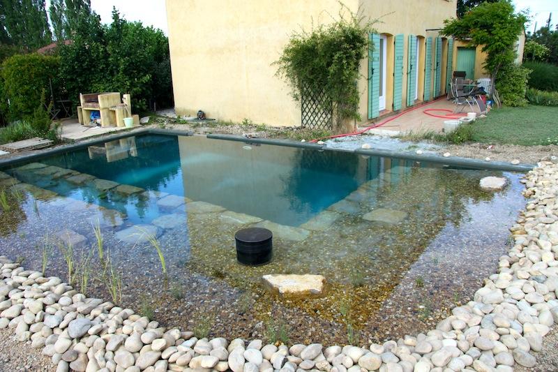 piscine naturelle 83