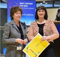 Anna with Neelie Kroes at the Award Ceremony on SID 2014