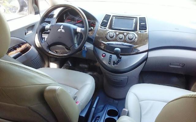 Xe Mitsubishi Grandis 2.4l