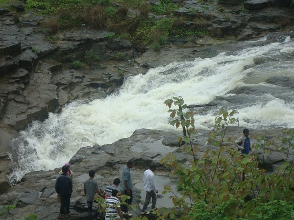 places to visit in rainy season
