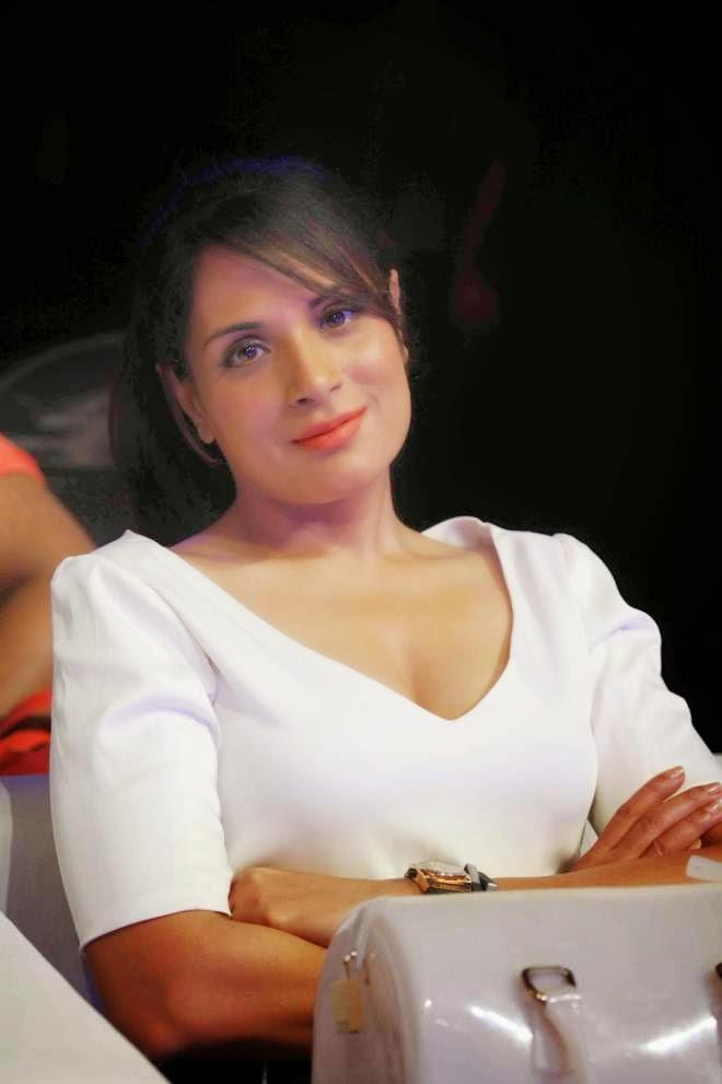 Richa Chadda Looks Super Sexy Free Photos