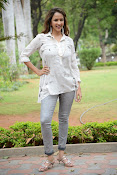 Lakshmi Manchu latest photo shoot gallery-thumbnail-5
