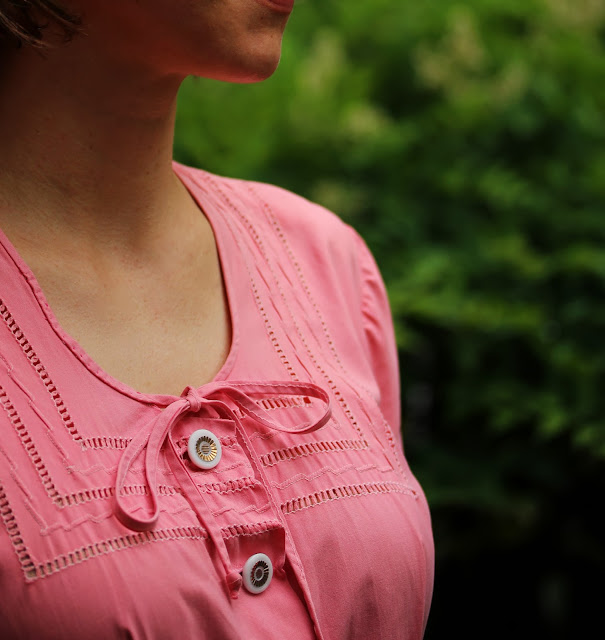Details on a 1940s Pink Day Dress ~ ChatterBlossom