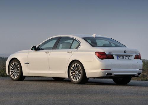 BMW 7-Series 2013 revi...