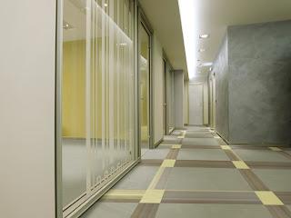 para ambientes de oficina Forbo ofrece diferentes tipos de suelos como este allura abstract