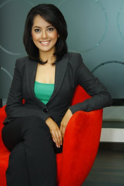 Putri Violla TV One Sport Presenter and Kabar Arena