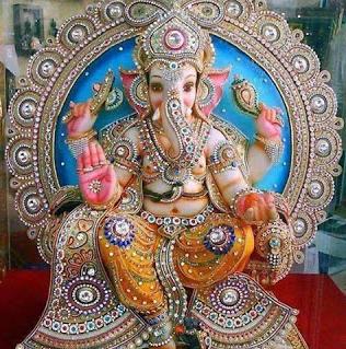 पूजा के विशेष मन्त्र तथा देवी देवताओं के प्रिय पुष्प