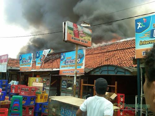 foto kebakaran pasar kertasemaya 5