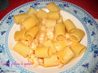pasta con i gamberetti profumata al timo