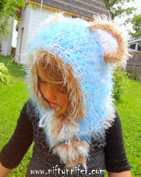 Free Crochet Pattern ~ Beautiful Blue Bear Hood http://www.niftynnifer.com/2014/08/free-crochet-pattern-beautiful-blue.html #Crochet #Bear #Crochetbearhood
