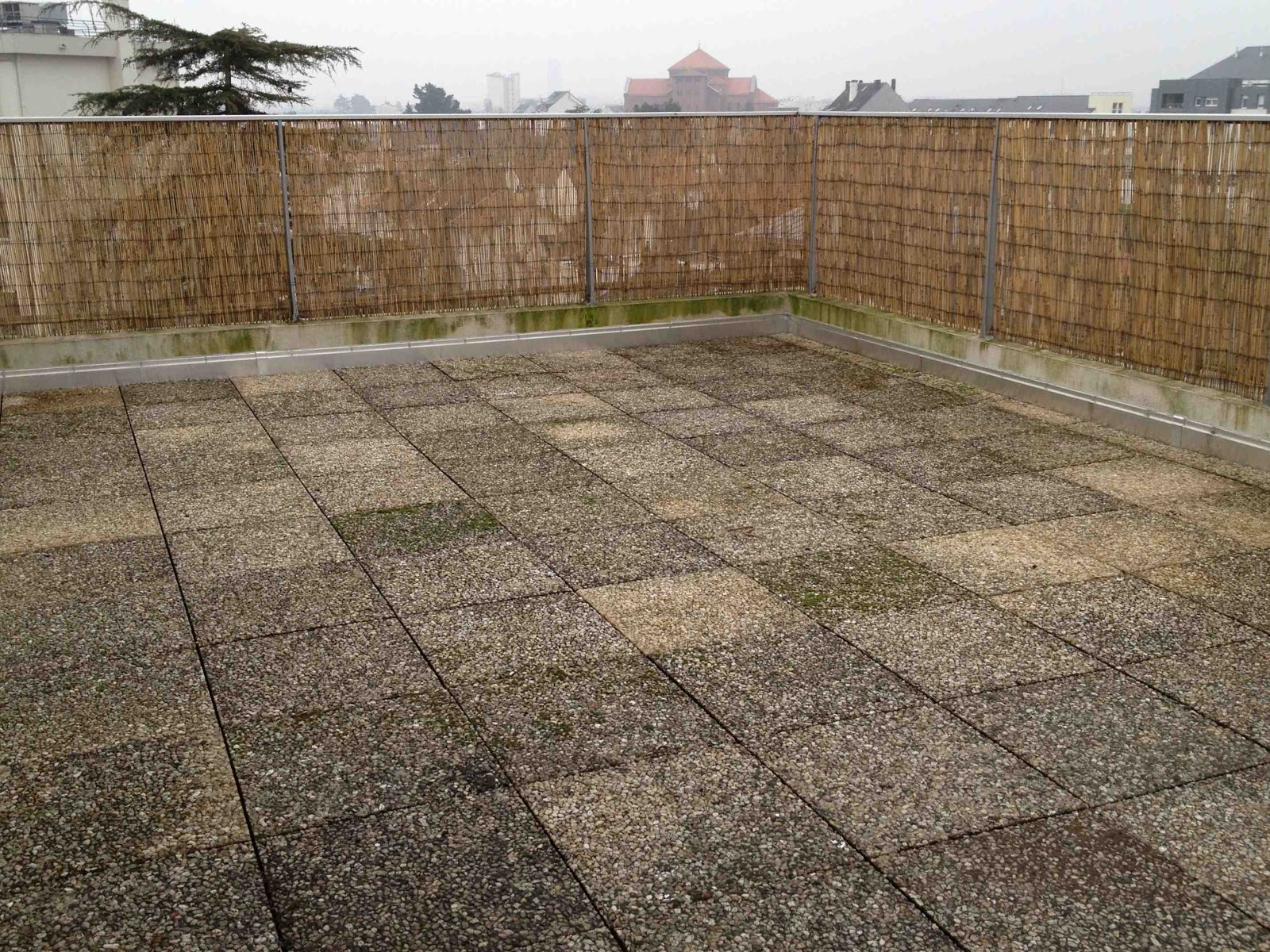 La m tamorphose du balcon nettoyage de printemps for Nettoyage dalle terrasse