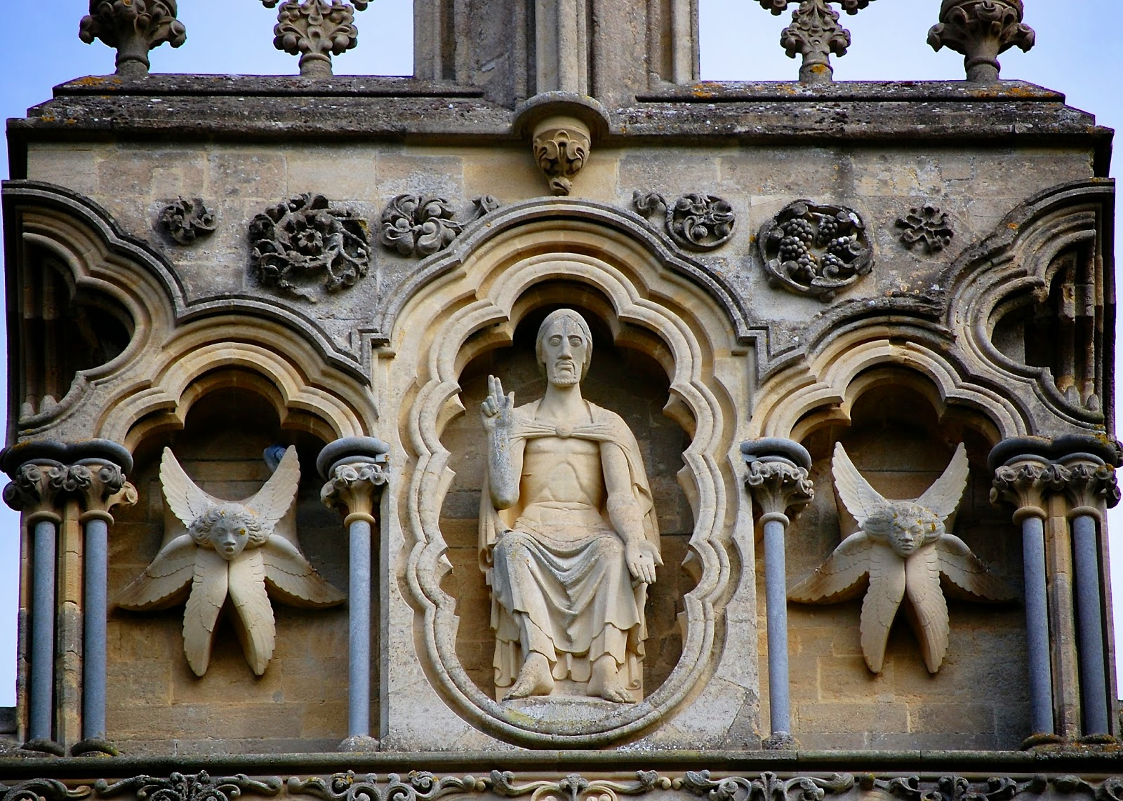 Christ in judgment atop Wells Cathedral facade