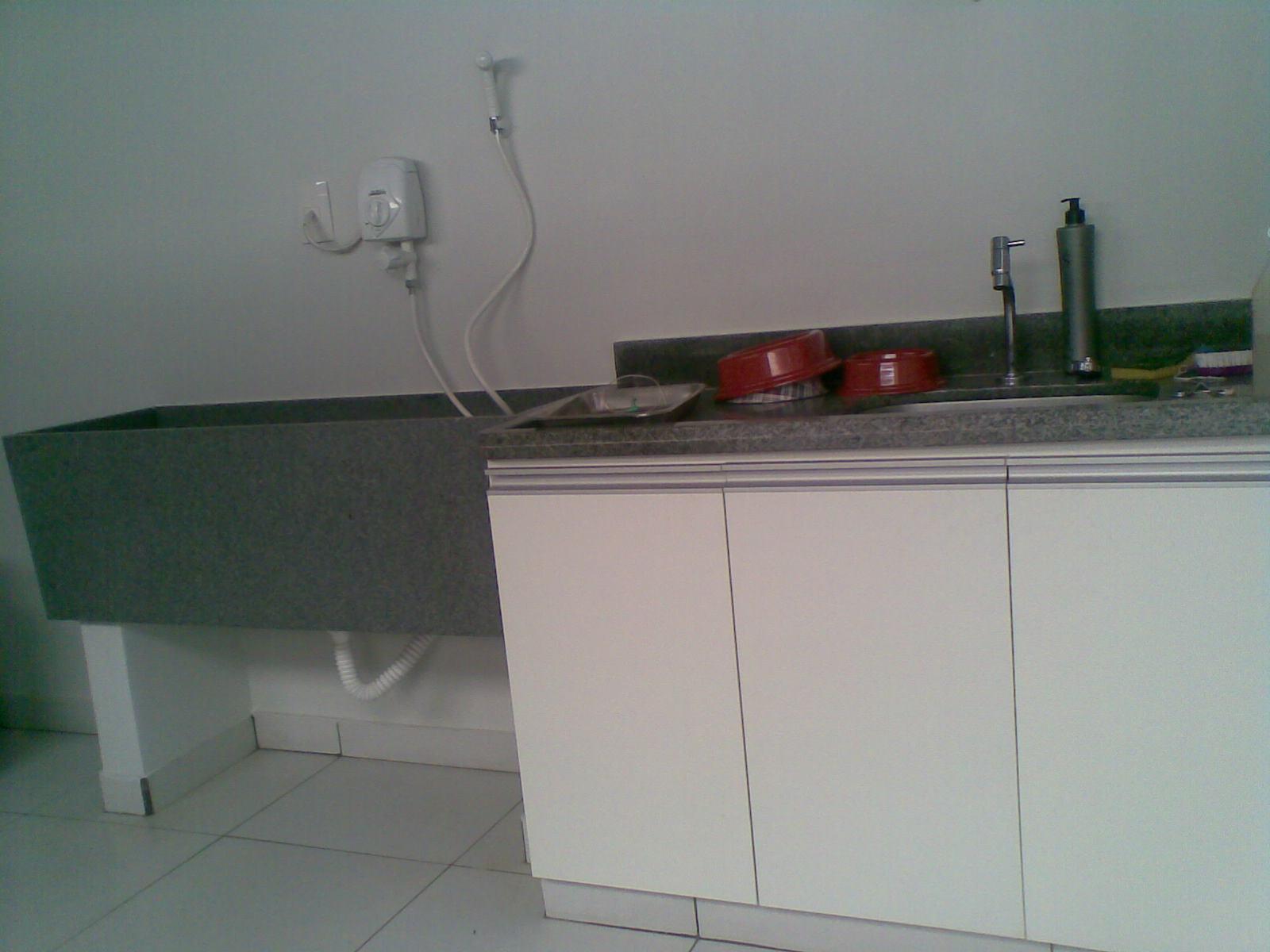 Imagens de #5A413F Além disso a clínica conta com salas de isolamento e DML tudo  1600x1200 px 3366 Bloco Cad Sinalização Banheiro