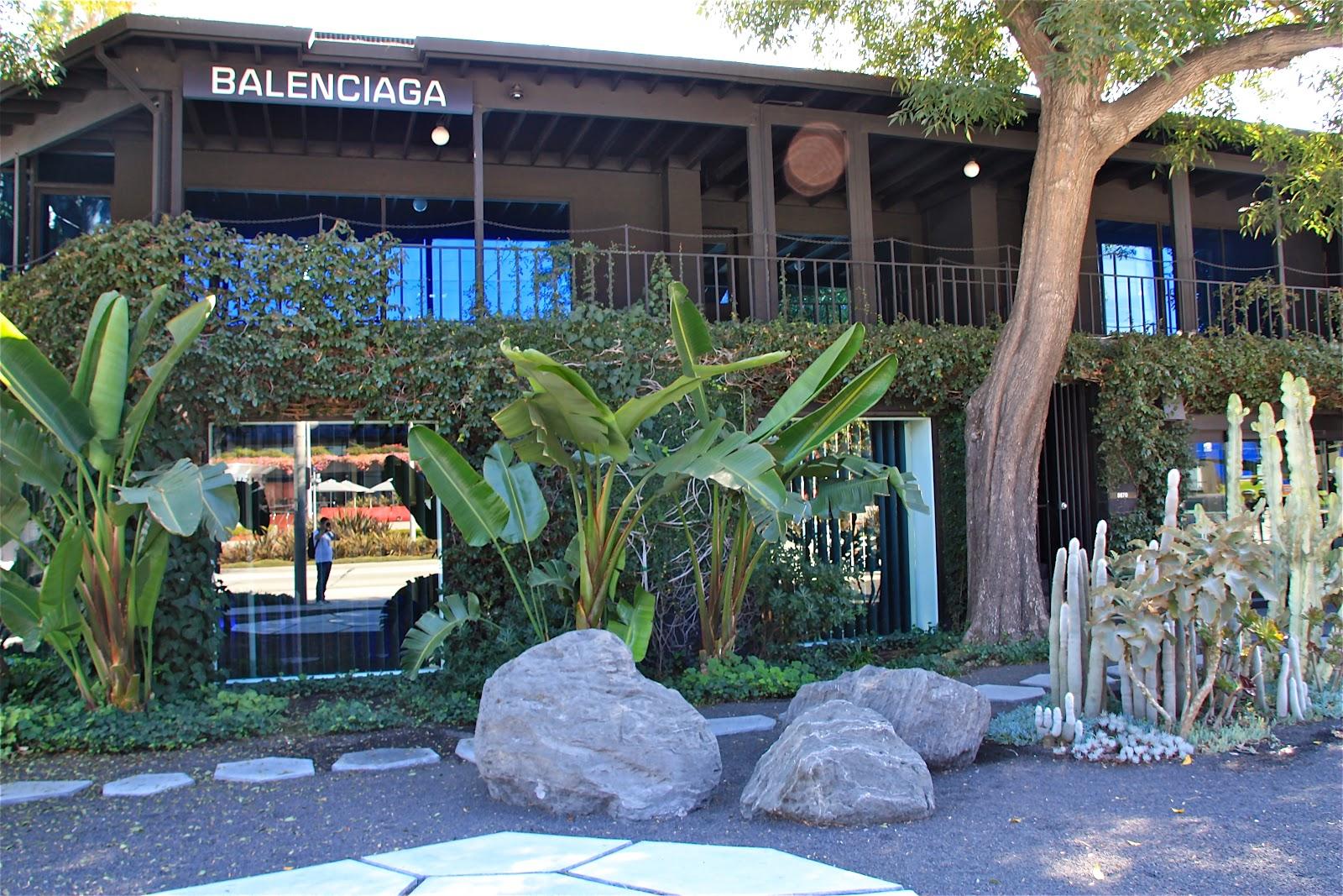 El muro vegetal jard n de balenciaga los angeles - Jardines con cactus y piedras ...