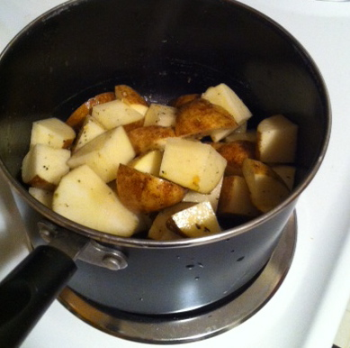 College Girl, College Food: Balsamic Chicken and Stove-top Potatoes