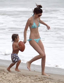 Kendall Jenner, her family, Malibu, Malibu Beach TRavel, Malibu cheap travel tour, malibu hotel, malibu luxury hotels, malibu vip beach, Malibu vip tour, malibu vip beach