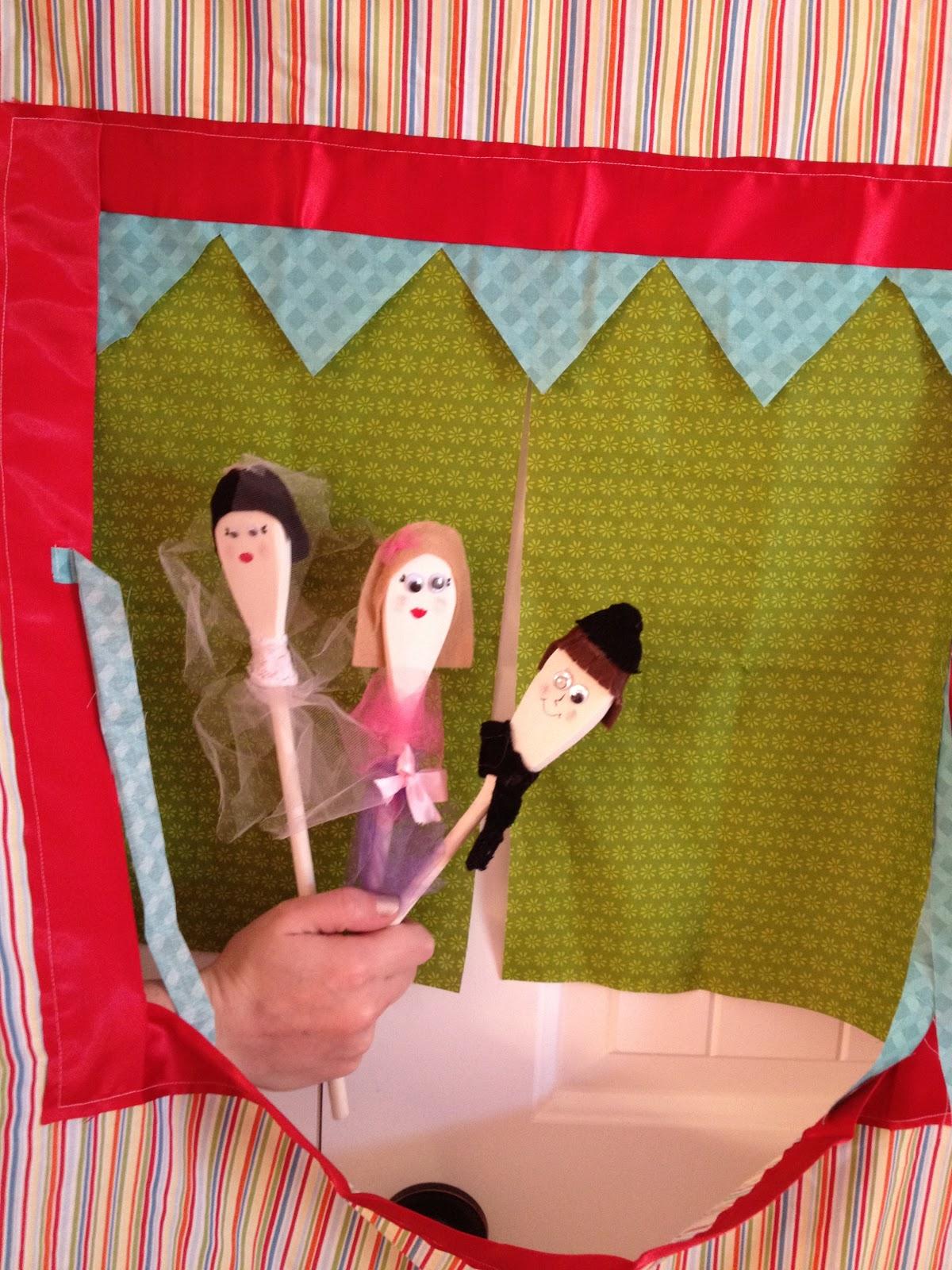 puppet tent & puppet tent - A girl and a glue gun