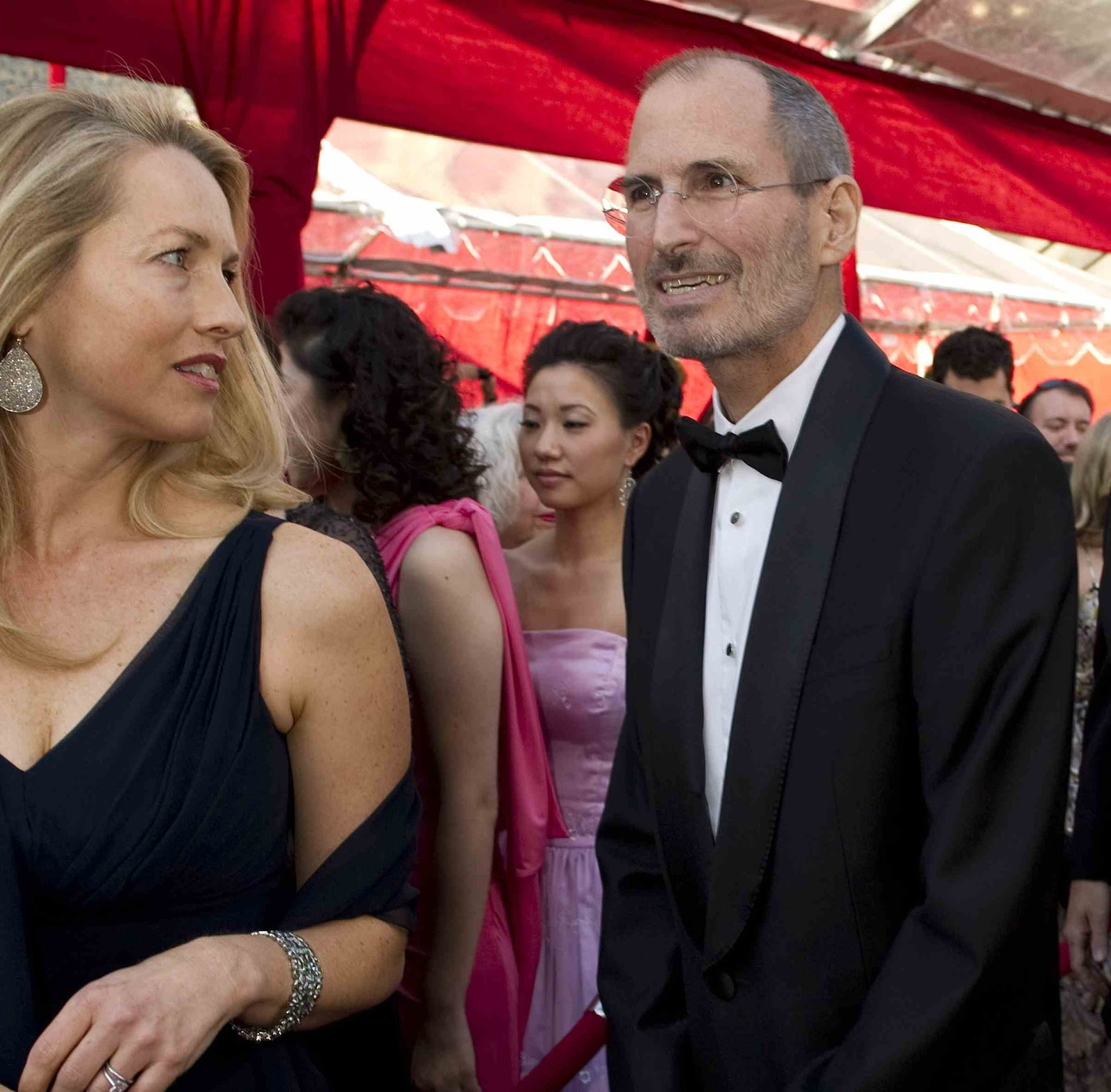 download free wallpapers steve and laurene powell jobs