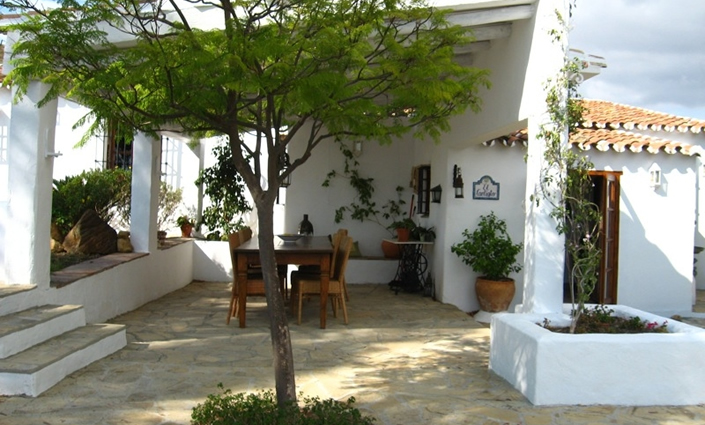Estilo rustico casa blanca en andalucia - Fachadas de casas andaluzas ...