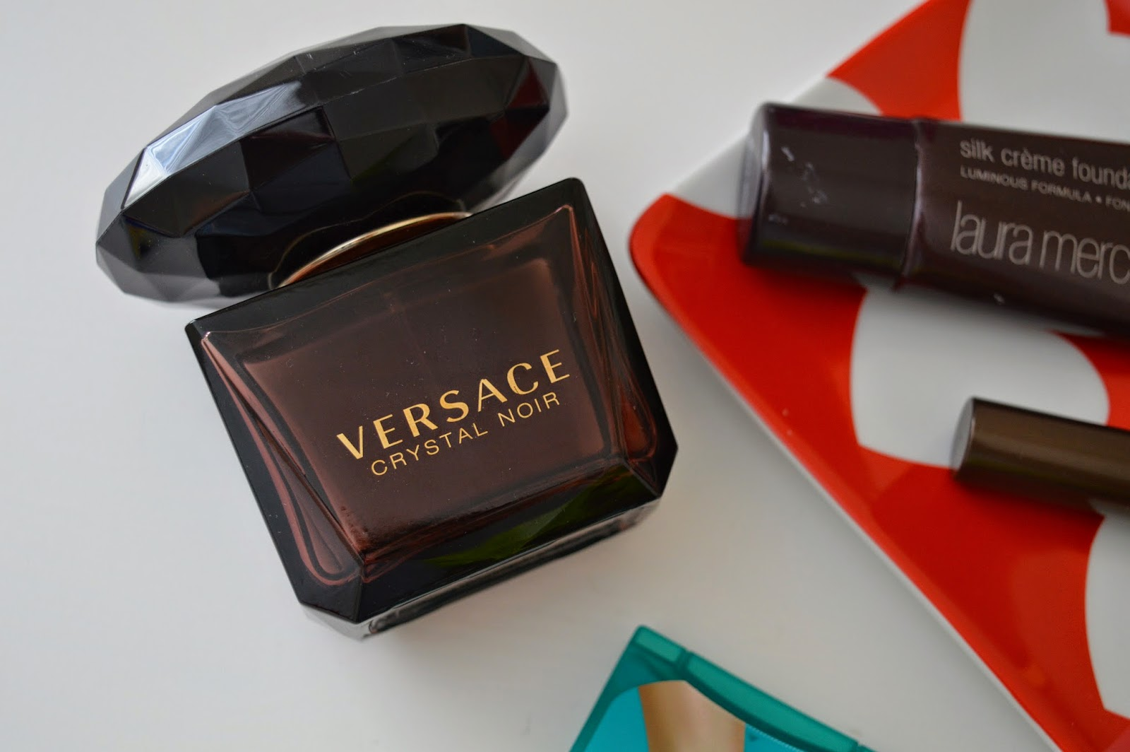 versace_crystal_noir_perfume_review_blogger