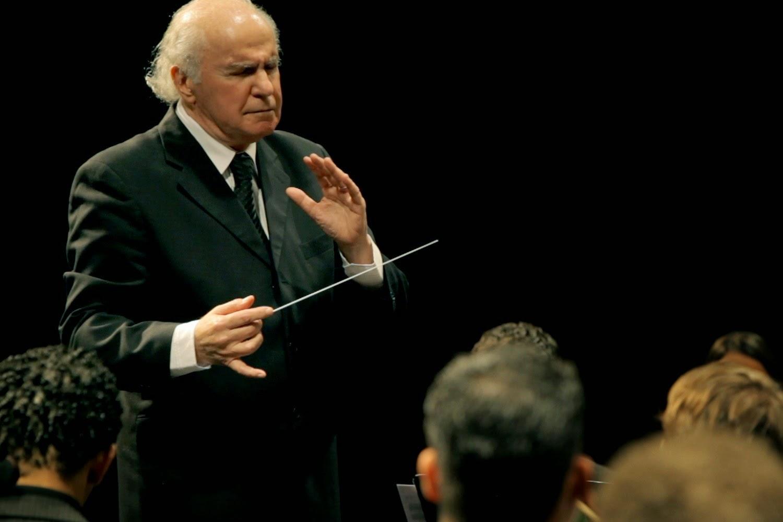 Rdio base 03012015 04012015 o maestro isaac karabtchevsky completou 80 anos de idade no dia 27 de dezembro de 2014 para celebrar a data to especial na vida deste que um dos maiores fandeluxe Images