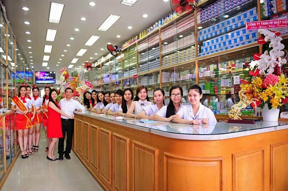 Thạc sĩ Nguyễn Quang Cường - Cùng đội ngũ nhân viên bán hàng