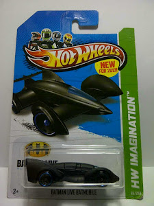 HW Batman Live Batmobile US Card (1:64)