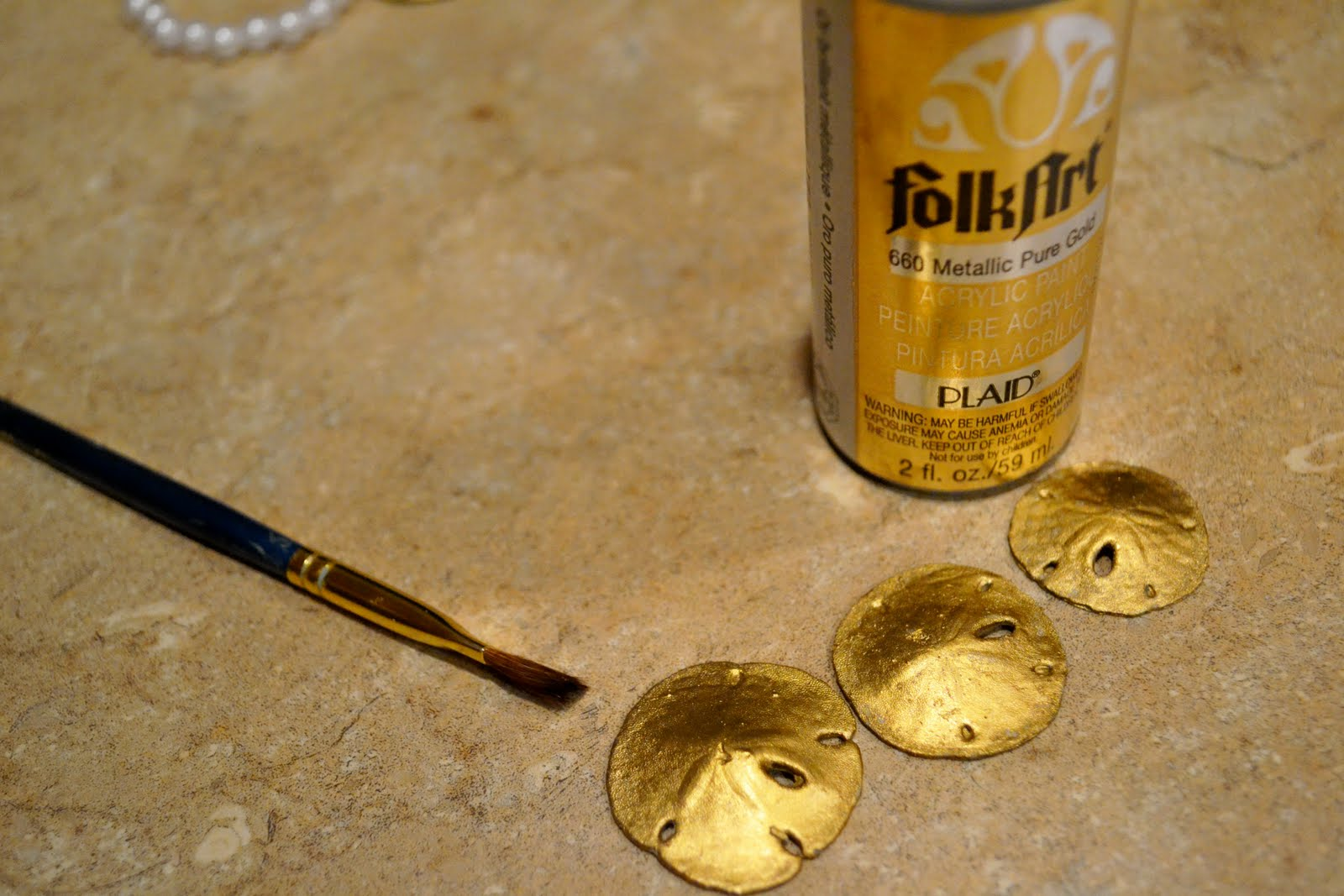 Gold Paint For Metal Jewelry in Metallic Gold to Paint