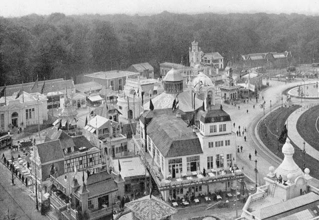 Exposition universelle de 1910 à Bruxelles - Vue à vol d'oiseau en direction des bois.