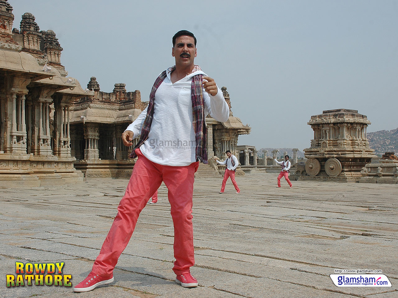 http://2.bp.blogspot.com/-mEsNe4-aC3A/UBQMU5AJd0I/AAAAAAAAHuY/sO6OCNdS89A/s1600/rowdy-rathore-wallpaper-04-12x9.jpg