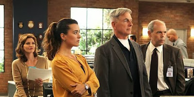 production still of Melinda McGraw, Joe Spano and Cote de Pablo in NCIS