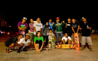 pacitan skateboarder