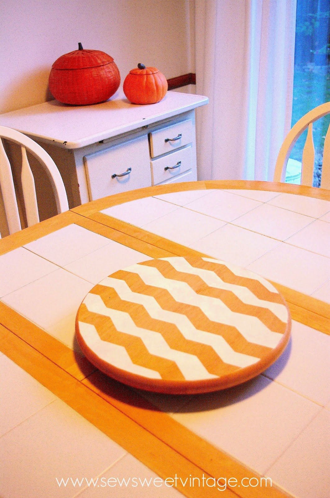 diy how to make a chevron lazy susan using chevron painters tape and spray paint